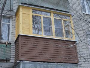 Уход за деревянными рамами на балконе