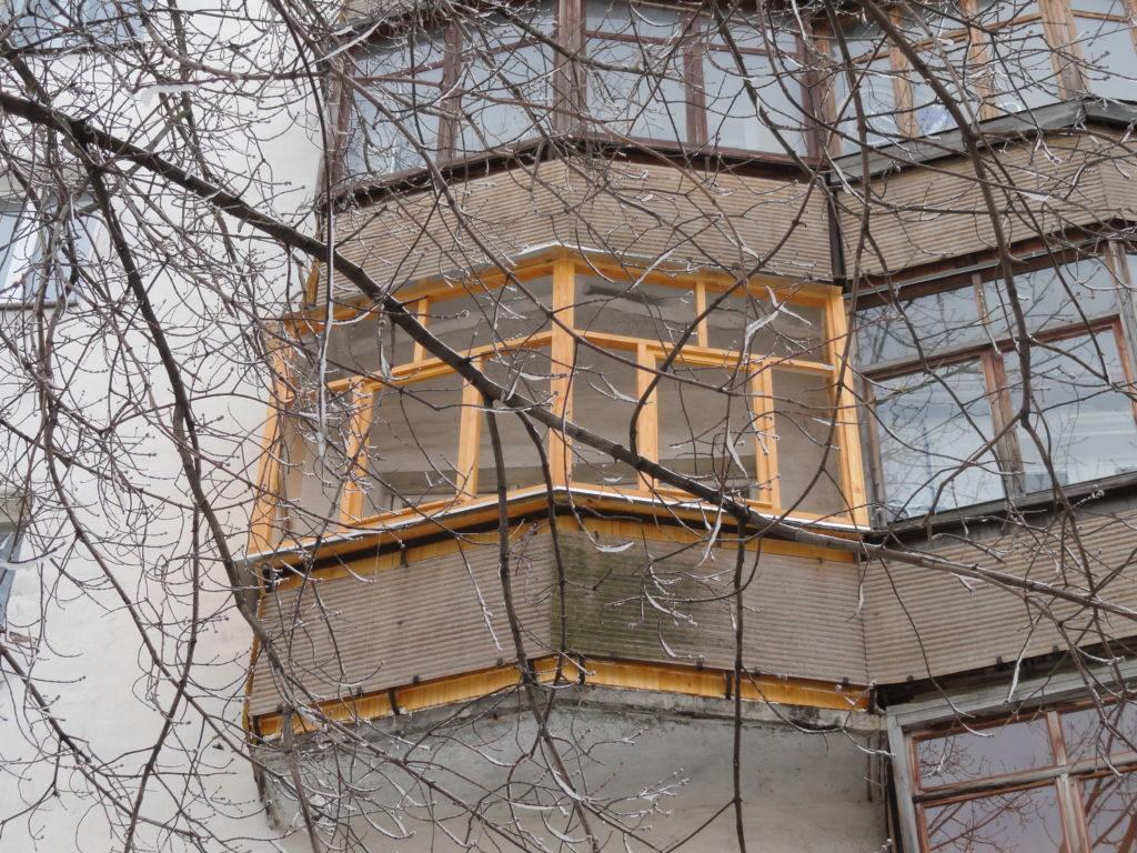Балкон около площади Ленина